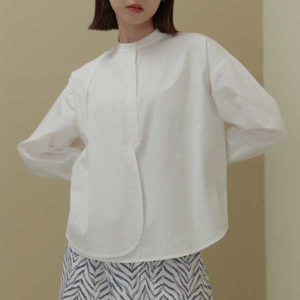 Queen Shop【01097120】中山領半排釦雙襬設計打褶上衣*現+預*