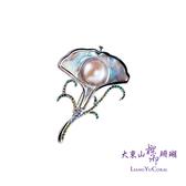 【大東山樑御】彩虹珍珠銀杏鑲鑽胸針  春意系列