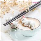 法鬥小狗筷架 2款可挑 筷子架 筷子托 陶瓷筷架 筷枕 勺子托 筆架 園藝裝飾 法國鬥牛犬 療癒餐具