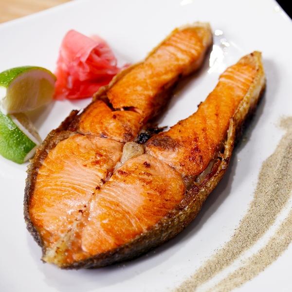 ㊣盅龐水產◇鮭魚輪切20P◇重量300g±10%/片◇零$140/包◇ 油脂豐富肉質細緻 歡迎團購