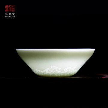 影青瓷杯具浮雕花紋