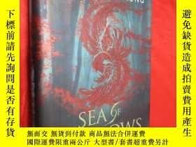 二手書博民逛書店Sea罕見of Shadows (硬精裝) 【詳見圖】Y5460