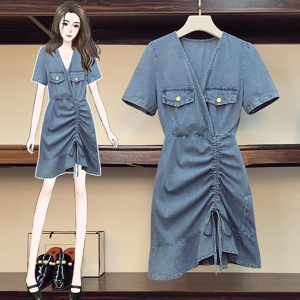 VK旗艦店 韓系大碼收腰褶皺抽繩牛仔V領時尚短袖洋裝
