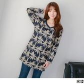 OrangeBear《DA4164》滿版椰子樹印花V領寬鬆長版棉感上衣/洋裝.2色--適 XL~5L