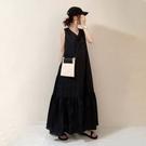棉麻洋裝 日系黑色V領蓬蓬背心無袖連身長裙 花漾小姐【預購】