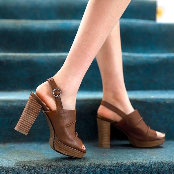 高跟凉鞋 棕色高跟涼鞋女2021年新款羅馬復古粗跟防水臺真皮露趾魚嘴高跟鞋