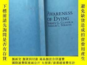 二手書博民逛書店AWARENESS罕見OF DYINGY168439
