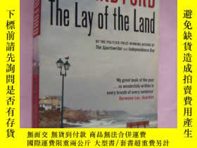 二手書博民逛書店The罕見lay of the landY146810 Rich