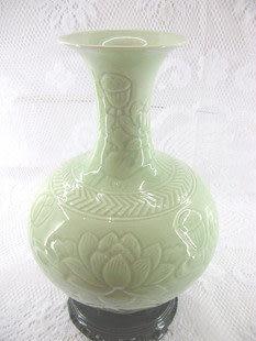景德鎮影青微雕荷花花瓶