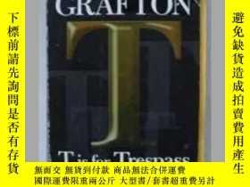 二手書博民逛書店英文原版小說罕見T Is for Trespass By Sue