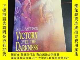 二手書博民逛書店Victory罕見over the DarknessY23005