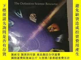 二手書博民逛書店罕見外文書Discover Science Almanac (S