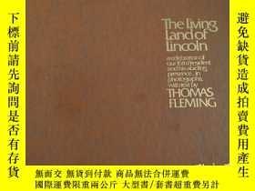 二手書博民逛書店英文原版·精裝:The罕見living land of Lincoln: A celebration of our