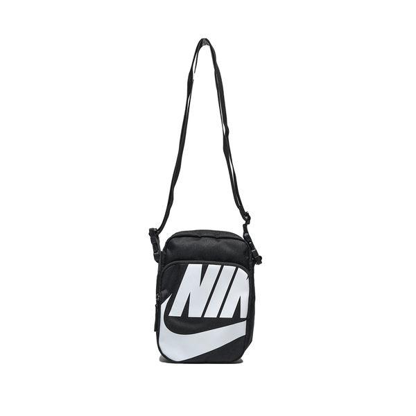 NIKE HERITAGE 2.0 黑 白大logo 側背包 隨身小包 (布魯克林) BA6344-010