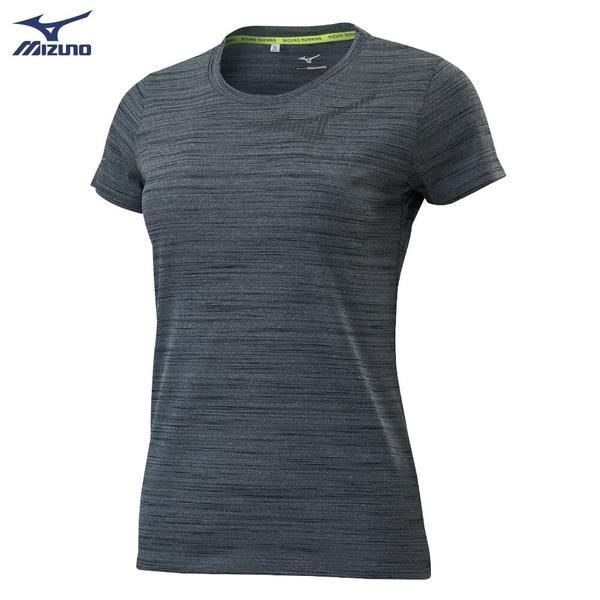 MIZUNO 女裝 短袖 上衣 T恤 慢跑 路跑 吸汗快乾 反光燙印 黑灰【運動世界】J2TA020309