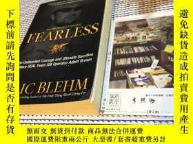 二手書博民逛書店英文原版罕見FEARLESS : the undaunted c