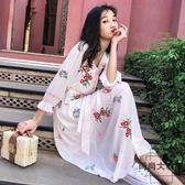 沙灘裙女民族風刺繡收腰繫帶白色連身裙超仙度假長裙【時尚大衣櫥】