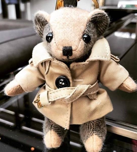 ■現貨在台■專櫃77折■全新真品 Burberry Trench 風衣造型 Thomas 喀什米爾 泰迪熊吊飾