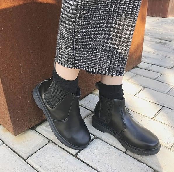 ZUCAS~英倫風馬丁靴學生平底靴簡約短靴 - NN-6550