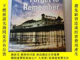 二手書博民逛書店Forget罕見to Remember (Cambridge English Readers: Level 5)奇