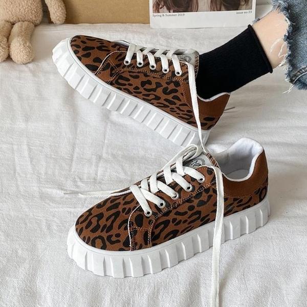 帆布鞋女 潮牌豹紋帆布鞋女鞋子2021春季新款百搭小眾板鞋春秋ins潮餅干鞋 小衣裡