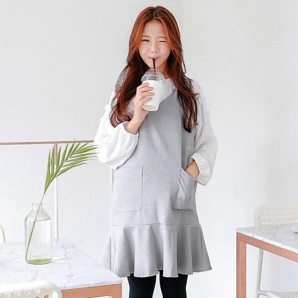 OB嚴選《DA4000-》雙口袋趣味刺繡純色魚尾V領背心洋裝.2色--適 S~L