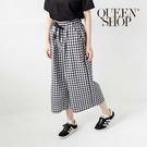 Queen Shop【04110207 】鬆緊抽繩設計黑白格紋寬褲*現+預*