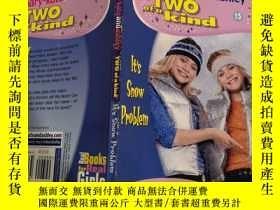 二手書博民逛書店two罕見of a kind diaries 兩個一種 日記Y200392