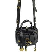【奢華時尚】PRADA 金色浮雕LOGO黑色牛皮流蘇金環手提斜背兩用包(九成新)#24922