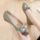 熱賣低跟鞋2021新款春季坡跟單鞋女軟底百搭淺口低跟夏季圓頭春秋小皮鞋夏款 【618 狂歡】