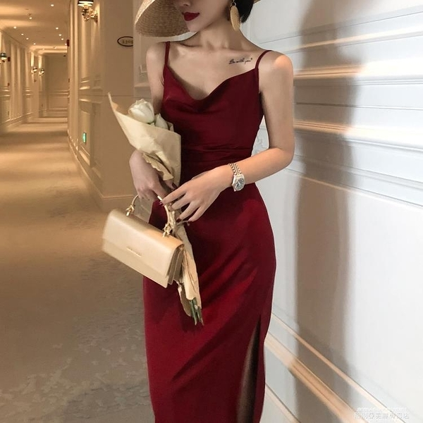 小禮服 法式復古修身三醋酸絲滑緞面性感蕩領吊帶裙酒紅色內搭連身裙禮服 萊俐亞