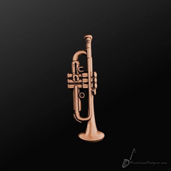 【小叮噹的店】全新 香港 MD MMP007C 小喇叭 小號 Trumpet 古銅色 別針 金屬 別針 胸針