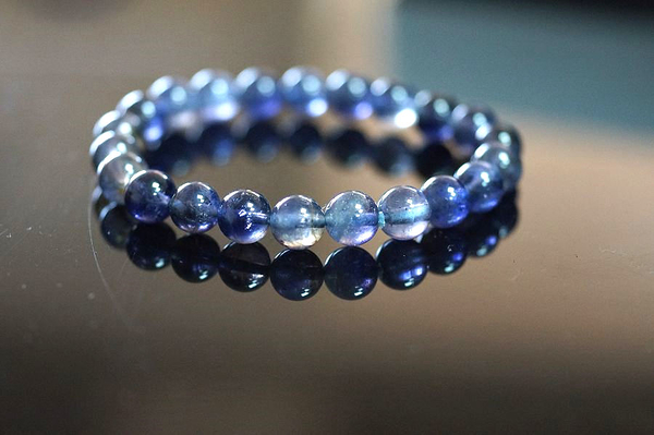 堇青石 8mm手鍊,清澈的迷人色彩,也被稱為「水藍寶石」【喨喨飾品店】N320