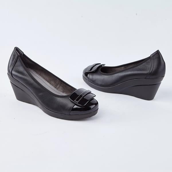 kadia.方型飾扣楔型厚底包鞋(8539-90黑色)