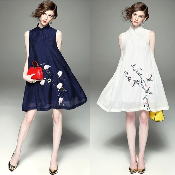 卡樂store...高級女裝中國風立領斜門襟無袖A字裙刺繡連身裙 S-L #ar096