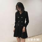 秋裝氣質赫本小黑裙女西裝領雙排扣收腰顯瘦長袖連身裙冷淡風裙子