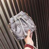 上新小包包女2018新款潮韓版百搭斜挎包簡約錬條單肩流蘇包水桶包
