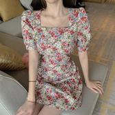 VK精品服飾 韓國風露后背碎花系帶女方領泡泡袖收腰短袖洋裝