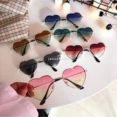 現貨-新款可愛桃心少女愛心墨鏡圓臉復古透明學生太陽鏡個性眼鏡潮 愛心 101