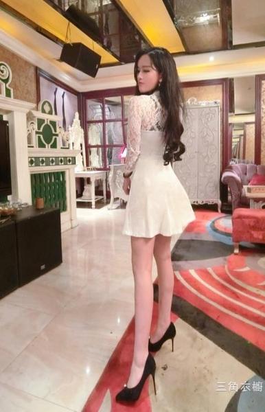 2020秋新品韓版時尚氣質夜店長袖蕾絲拼接鏤空性感收腰裙擺長袖洋裝