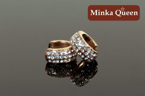 德國鈦鋼 玫瑰金三排滿鑽造型 精緻水鑽抗敏易扣耳環(一對)(12 mm)