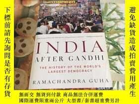 二手書博民逛書店India罕見After Gandhi: The History of the Worlds Largest De