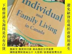 二手書博民逛書店Individual罕見and Family Living in