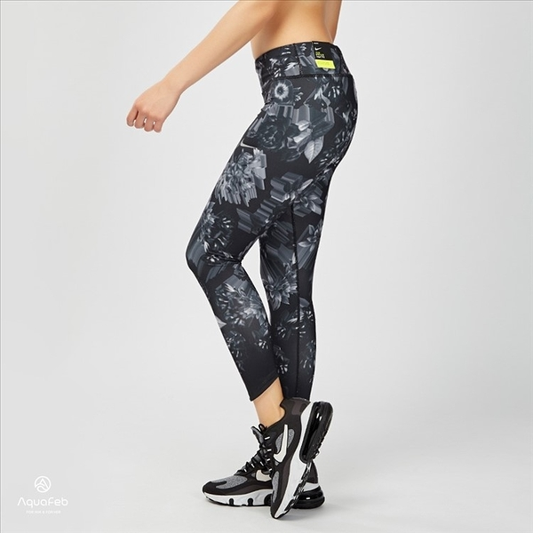 Nike Epic Lux Tight 女子 黑灰 花卉 運動 緊身 訓練 束褲 AH8175-010