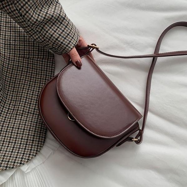 斜背包 包包2021新款潮韓版網紅馬鞍包質感森系斜挎小包復古百搭單肩女包 歐歐