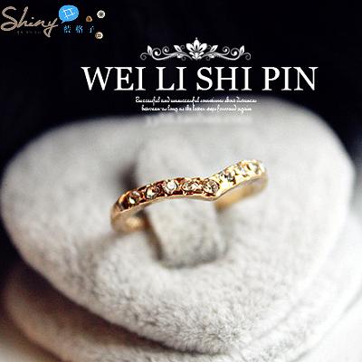 【20A55】shiny藍格子-精美獨特V形設計款鑲鑽小指戒/指尾戒