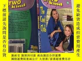 二手書博民逛書店Two罕見of a Kind:The Cool Club 兩種類型:酷俱樂部、Y200392