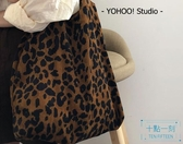 帆布包 ins秋冬大熱豹紋chic韓系燈芯絨面呢單肩帆布包購 十點一刻