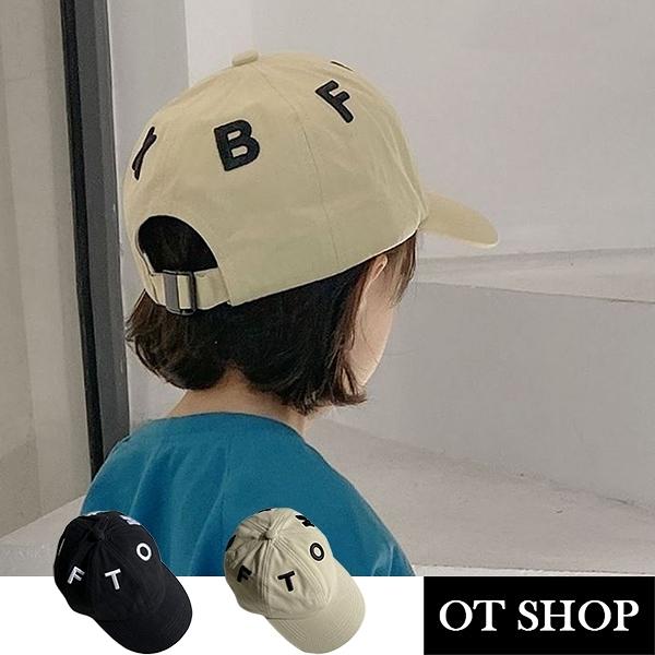 OT SHOP [現貨] 男女童帽子 兒童帽 老帽 鴨舌帽 棒球帽 棉質 素色 英文字母刺繡 可調帽圍 黑/米 C5056