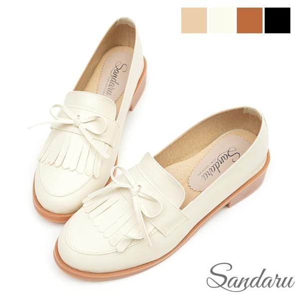 樂福鞋 紳士風格蝴蝶結流蘇軟底低跟鞋-米